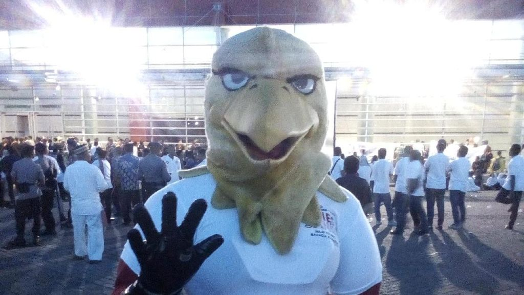 Tim Kampanye Kenalkan Maskot Pemenangan Anies-Sandi: Mas Garuda