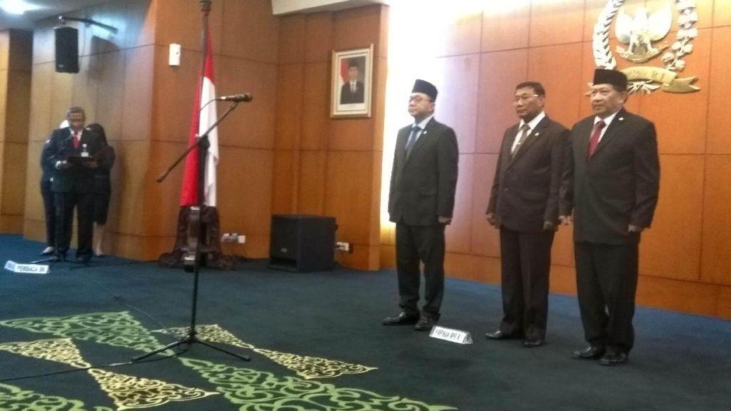 Zulkifli Hasan Lantik 3 Anggota Baru MPR