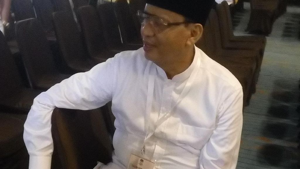 Cerita Wahidin-Andika Mondar-Mandir Menunggu Pengundian Nomor Urut