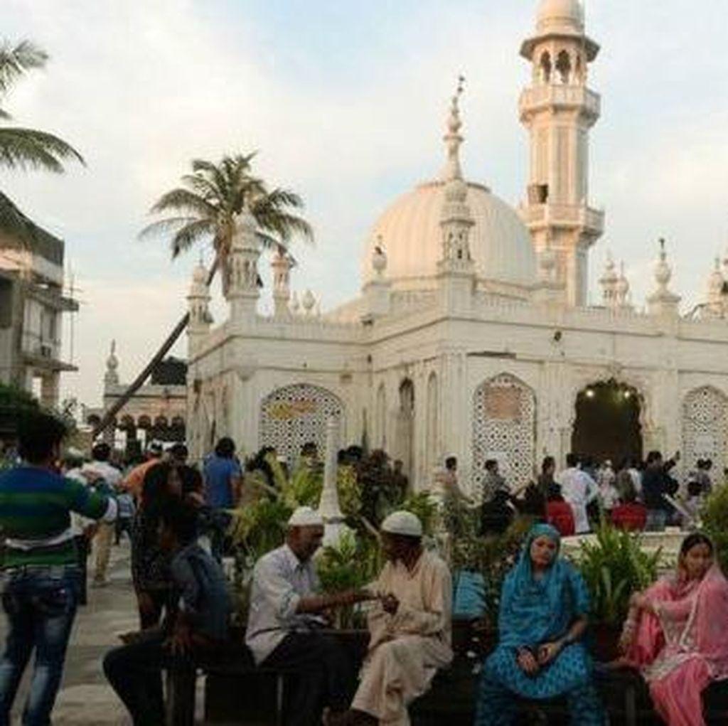 Larangan Perempuan akan Masuk ke Masjid Haji Ali di Mumbai Dicabut