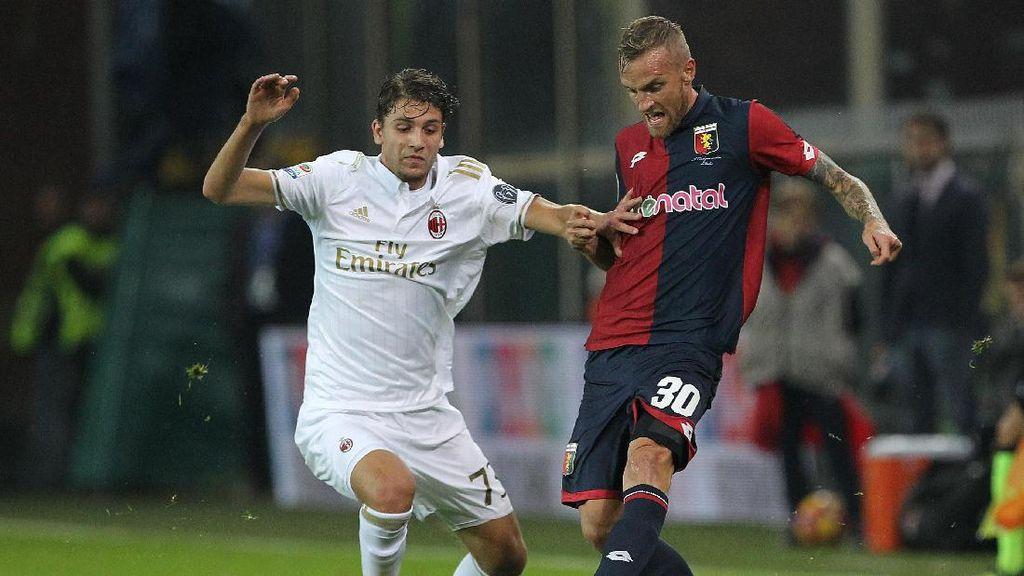 10 Pemain Milan Dikalahkan Genoa 0-3