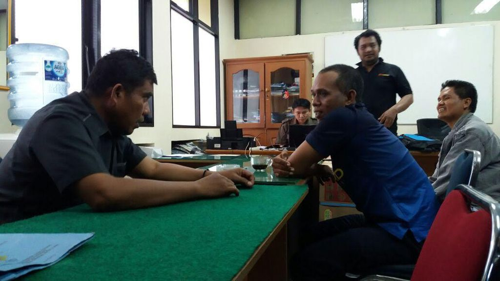 Polisi OTT 2 Mandor yang Lakukan Pungli Dwell Time di Pelabuhan Makassar