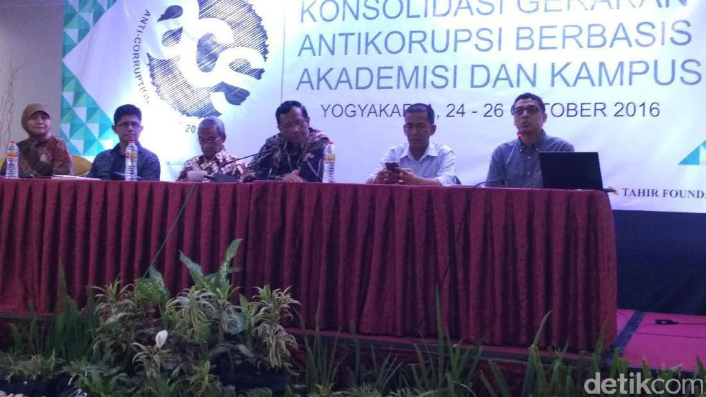 Anticorruption Summit 2016 Ditutup, Aktivis dan Akademisi Serukan Deklarasi