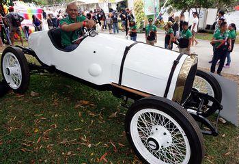 Mobil Touring Jadul Tahun 1912