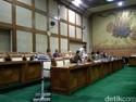 DPR Debatkan Pergantian Dirut Angkasa Pura I
