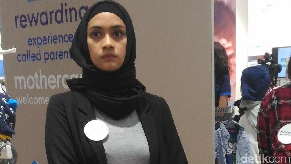 Ayudia Bing Slamet Kini Tampil Berhijab