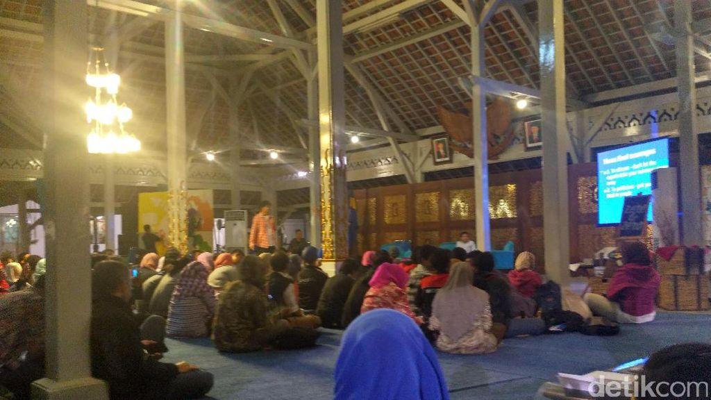 Di Bandung Dua Warga Asing Perkenalkan Pengolahan Sampah dengan Strategi Circular Economy