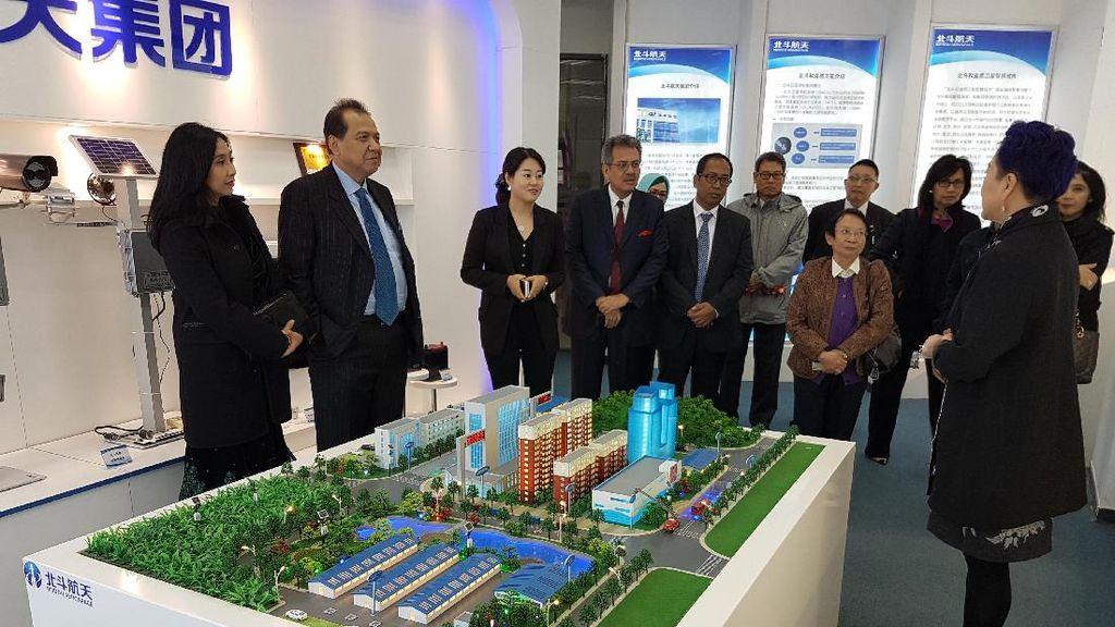 Chairul Tanjung Tengok Teknologi Navigasi Satelit China