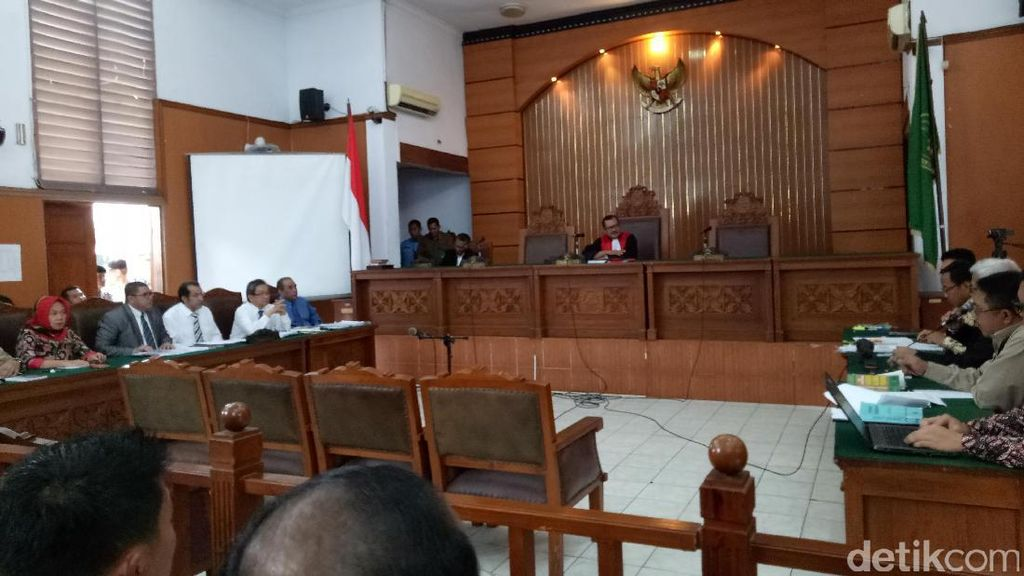 KPK: Tak Mungkin Uang Jalan Sendiri ke Kamar Irman Gusman