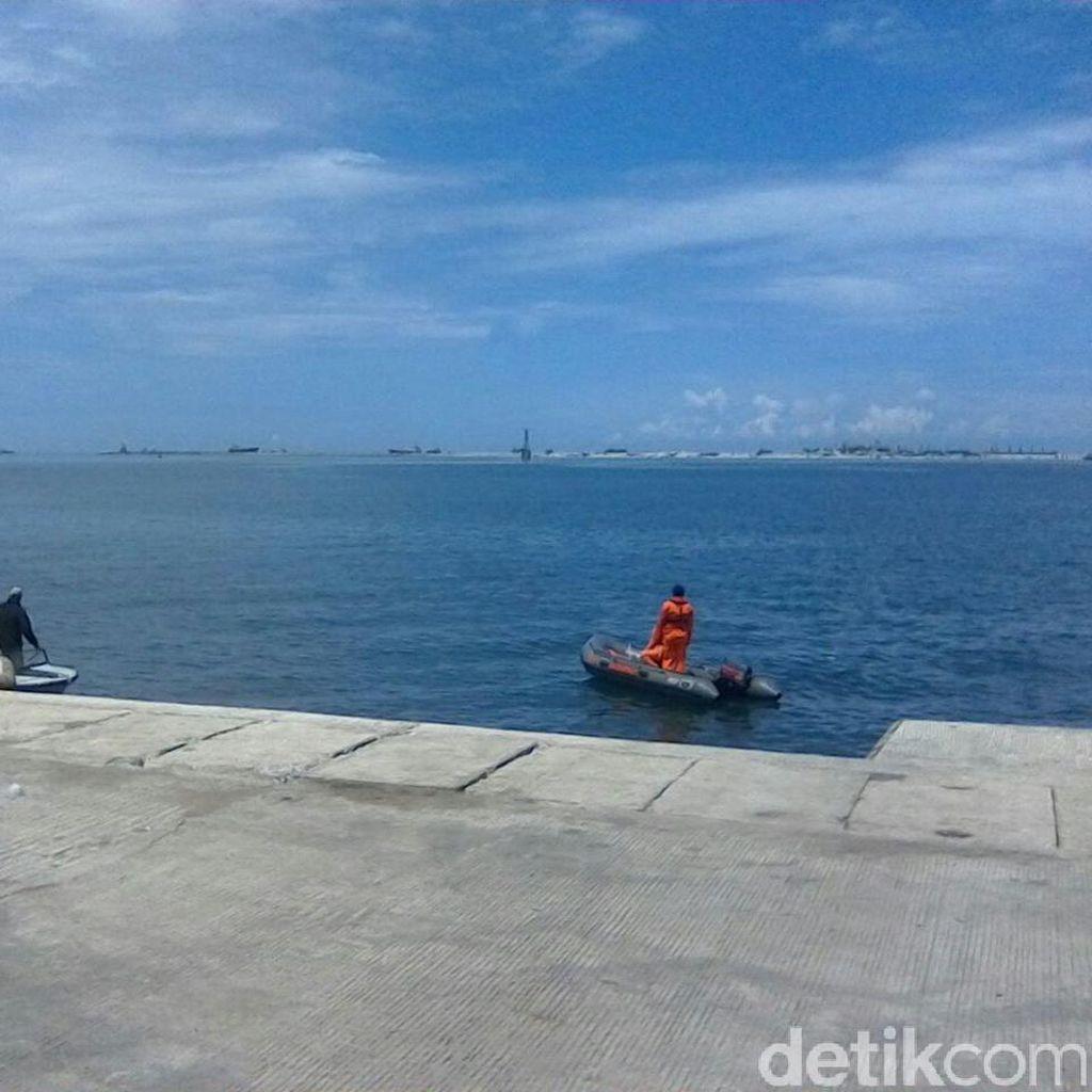 Tim SAR Gabungan Cari Penumpang yang Lompat dari Kapal di Pelabuhan Makassar
