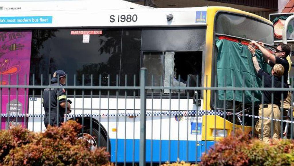 Sopir Bus Australia Tewas Dibakar Penumpang, Sopir Taksi Jadi Pahlawan