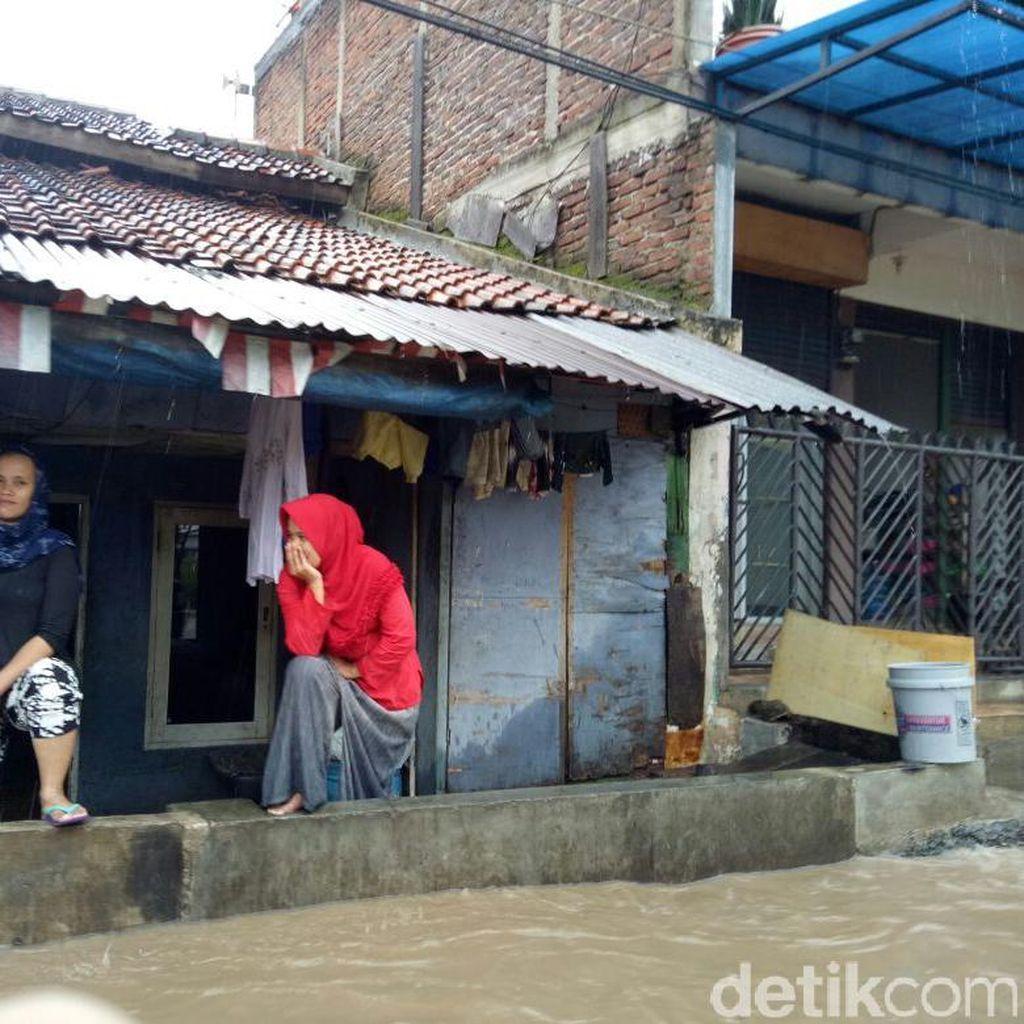 Sungai Cinambo Meluap, Hindari Jalan Rumah Sakit Bandung