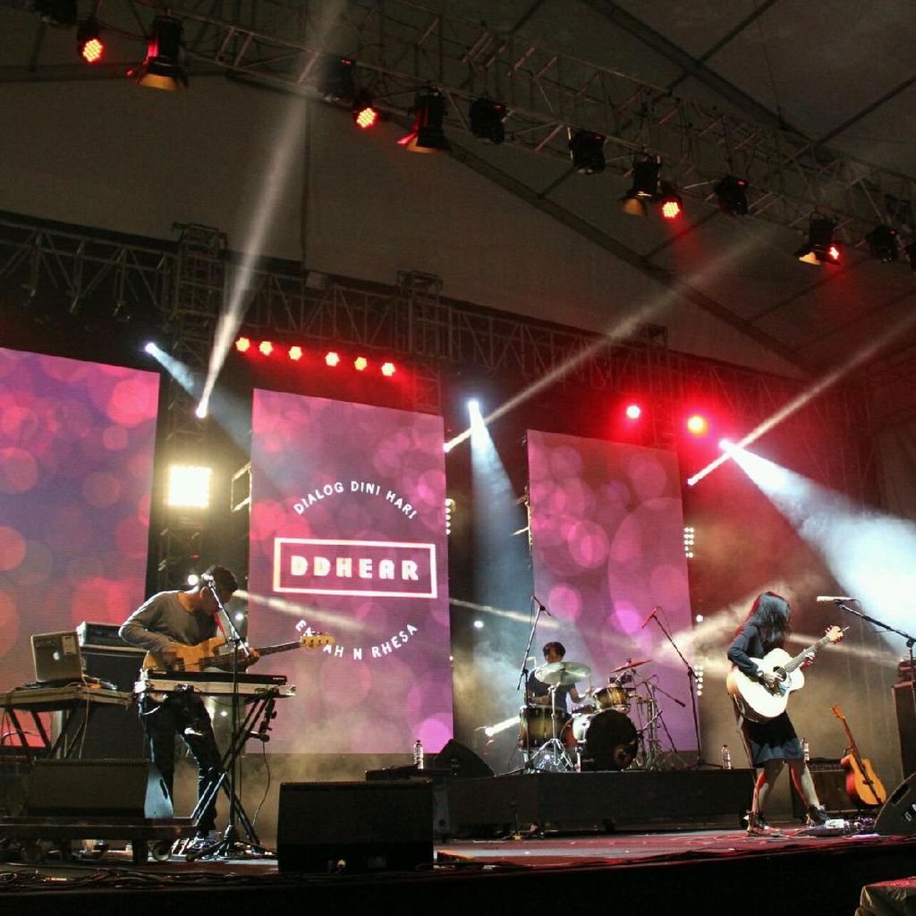 Penampilan Haru DDHEAR Di Synchronize Fest 2016