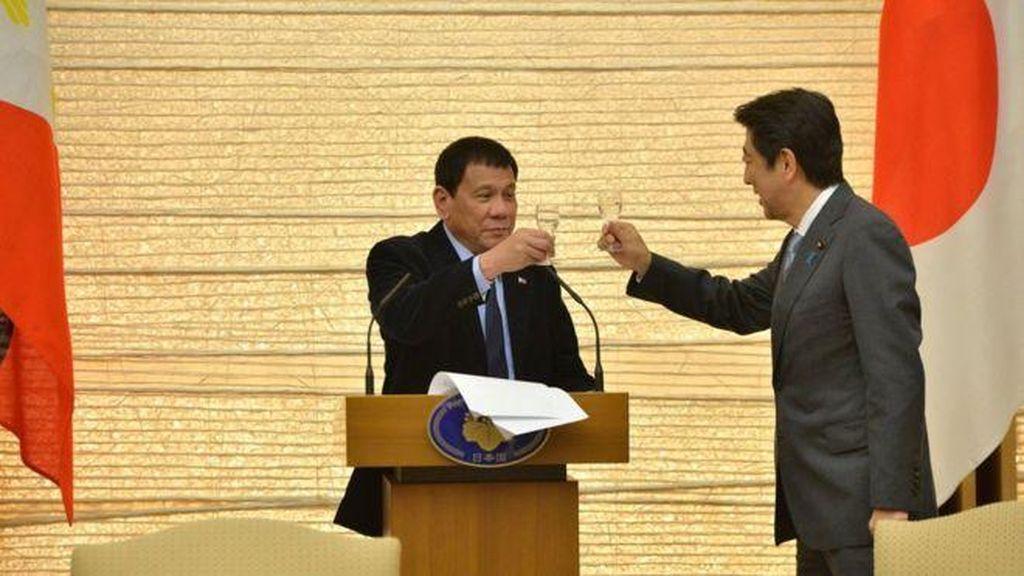 Presiden Filipina Duterte: Tuhan Perintahkan Saya untuk Berhenti Memaki