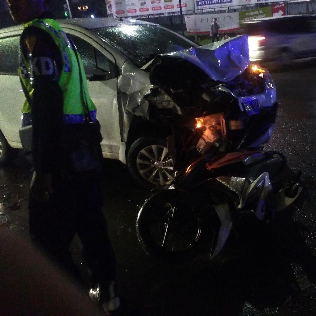 9 Orang Korban Tabrakan Mobil Ertiga di BSD Dievakuasi ke RS Eka Hospital