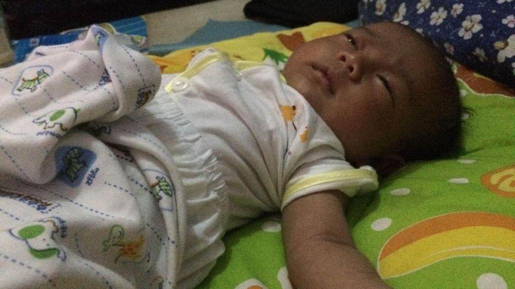 Tangis Bayi Dinda dalam Sepetak Kontrakan di Tangerang