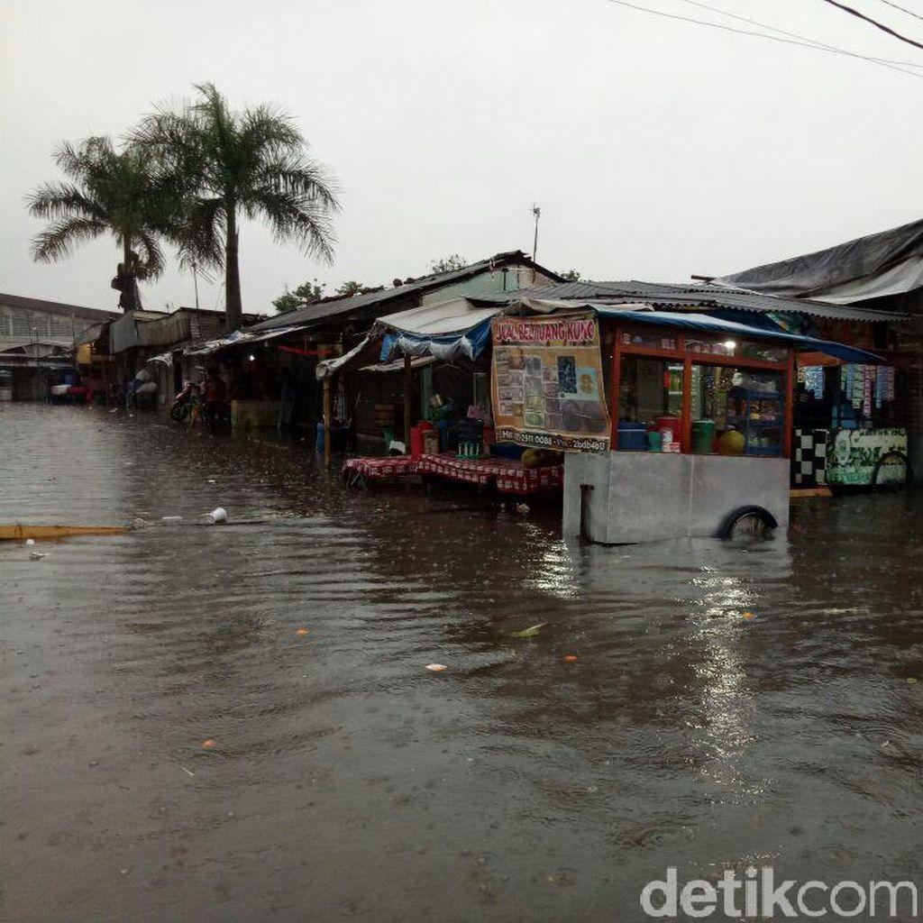 Banjir juga Landa Pasar Induk Gedebage, Namun Kini Berangsur Surut