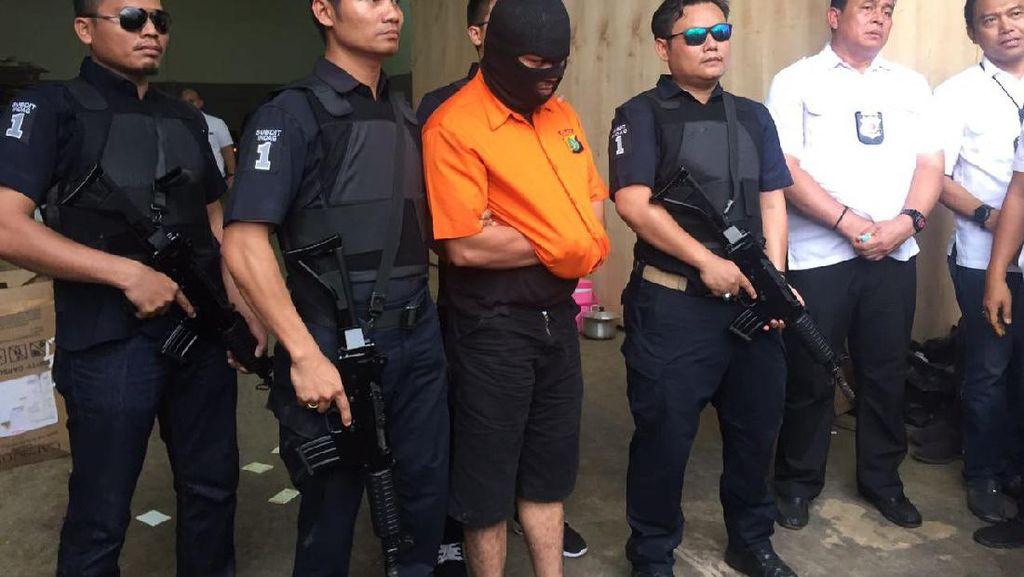 Polda Metro Bongkar Pabrik Obat dan Jamu Ilegal di Cakung