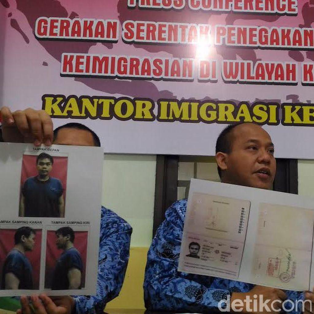 Imigrasi Kediri Deportasi Warga Malaysia karena Sakit dan Overstay