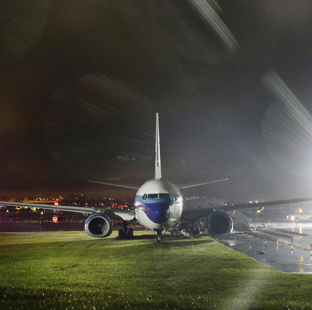 Video Sesaat Pesawat Wapres-nya Donald Trump Tergelincir