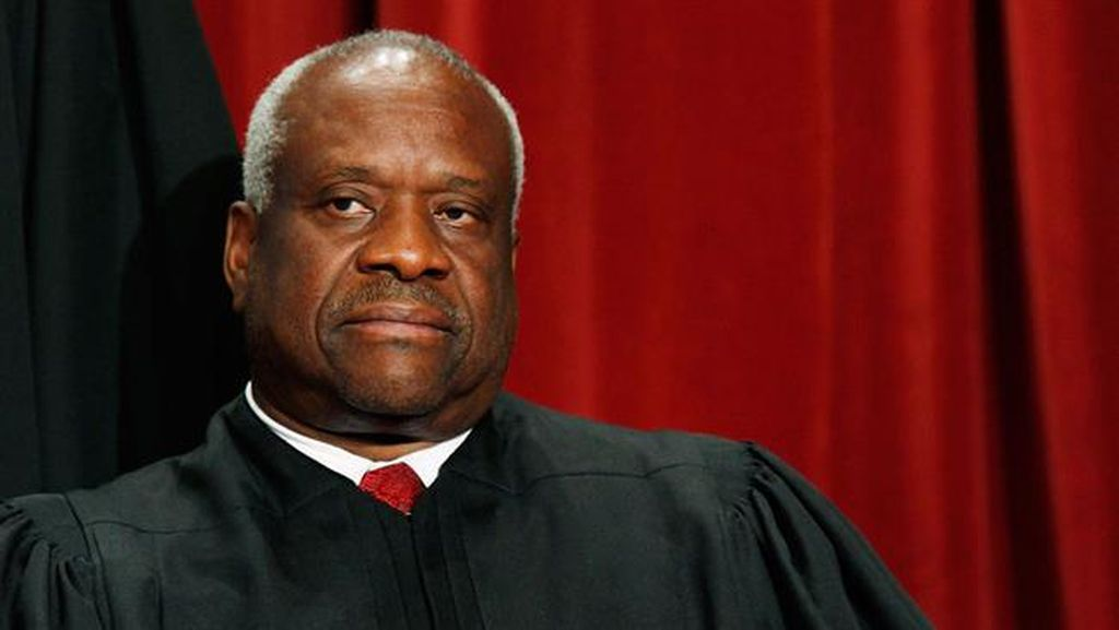 Muncul ke Publik, Pengacara Sebut Hakim Mahkamah Agung AS Pernah Merabanya
