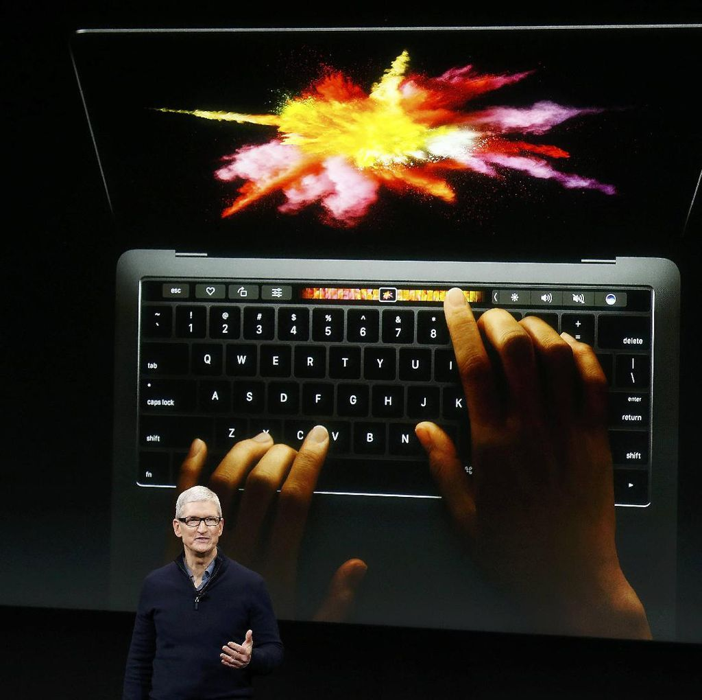 Kejutan! Apple Bikin MacBook Pro Tipis Pakai Touch Bar