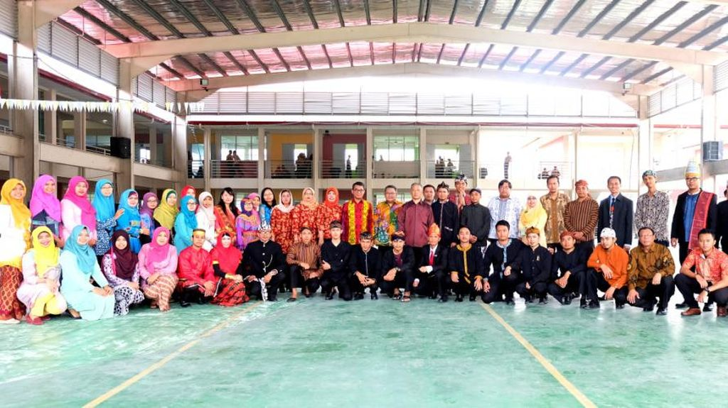Pakai Baju Adat Nasional, KJRI Kinabalu Gelorakan Semangat Sumpah Pemuda