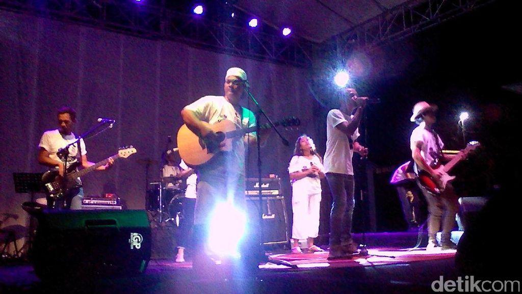 8 Napi Bentuk Band dan Launching Album di LP Kerobokan Bali