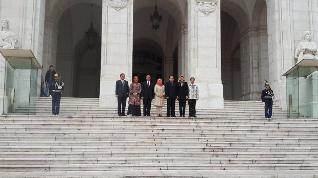 Delegasi DPR RI di gedung parlemen Portugal