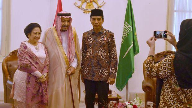 Ini Sebab Iriana Tak Dampingi Jokowi Sambut Raja Salman