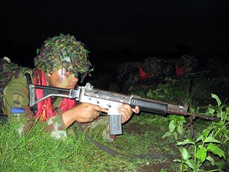 Marinir Latihan Tempur