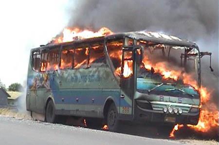 Bus ALS Terbakar