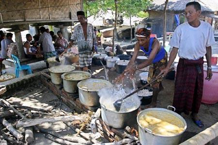 Melongok Suku Sasak Lombok