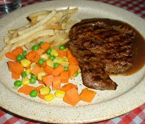 Menikmati Steak Hemat Rasa Enak!