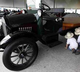 Lelang Mobil Legendaris