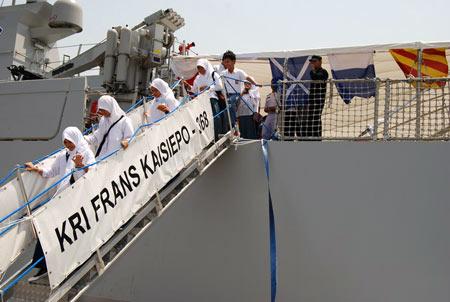 KRI Frans Kaiseipo Merapat di Jeddah