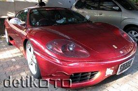 Ferrari Hello Kitty Elsie Lontoh