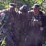 Seorang prajurit Marinir AS dipapah tim medis. (Humas Dispen korps Marinir).