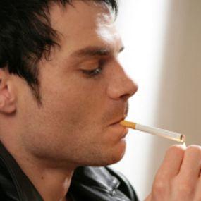 Perokok Rela Tak Merokok di Tempat Kerja