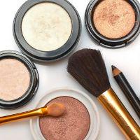 Iritasi Akibat Kosmetik Kadaluarsa