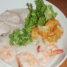 Salah satu menu andalan disini adalah Bubur 3 Rasa dengan porsi cukup besar ini. Isinya terdiri dari fillet ikan kakap, potongan daging ayam, udang segar, dan cakwe goreng. Rasanya yang hangat gurih hmmm... sungguh lezat!