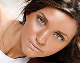 Tips Memilih Warna Lipstik Nude Sesuai Warna Kulit