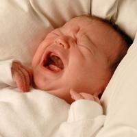 Bayi yang Dibiarkan Nangis Terlalu Lama, Otaknya Bisa Rusak