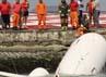 Pesawat tersebut berhasil dievakuasi dengan menggunakan mobil derek. Reuters/Sergio Moraes.