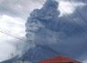 Asap hitam yang berbahaya bagi manusia menyembur dari puncak Gunung Sinabung.