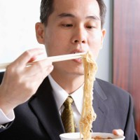 Dokter Gizi: Mie Instant Aman Tapi Tidak Sehat