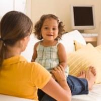 Kenapa Anak 14 Bulan Belum Bisa Ngomong?