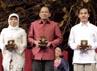 Tri Mumpuni lewat badan usahanya Ibeka telah membangun 60 pembangkit listrik tenaga air di pedesaan. Sementara Hasanain Juaini, berkontribusi di bidang pendidikan pondok pesantren di Lombok Barat. Reuters/John Javellana.