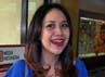 BCL tampil seksi usai menjenguk KD, Selasa (6/9/2011).