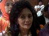 Istri Antasari, Ida Laksmiwati serius mengikuti sidang. Novi Cris/detikcom.